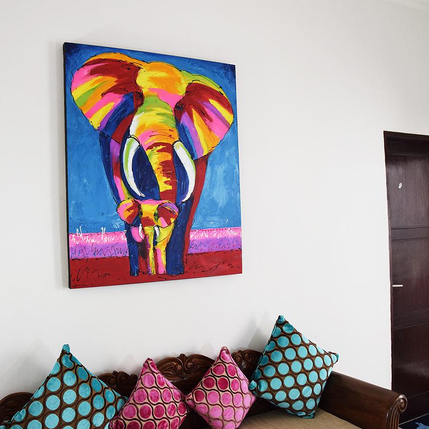 バリアート、カラフルなゾウの親子の絵画