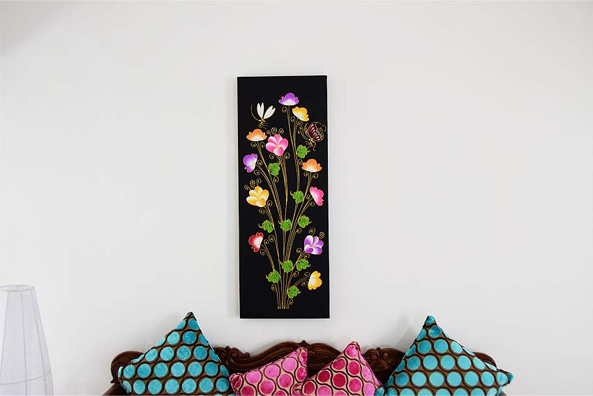 花と蝶のかわいらしい絵画