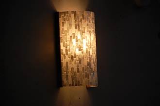 アジアン照明。シェルのブラケットライト
