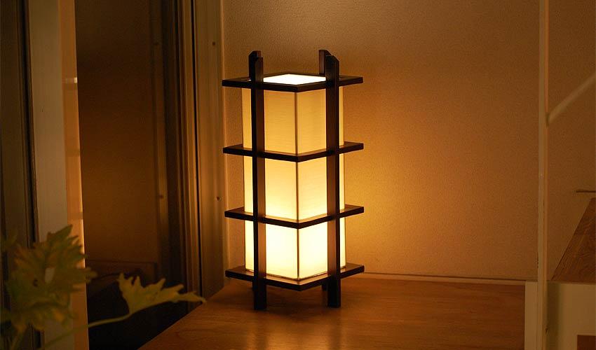 アジアン照明。行灯型の和風間接照明