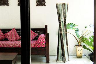 アジアン照明。バンブーとガラスのランプ。フロアスタンドライト ロータスタワー ブラウン