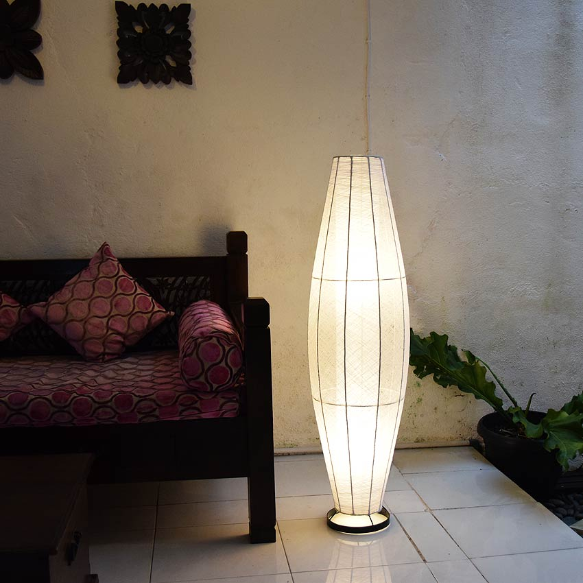 アジアン照明。神秘的な白のフロアライト