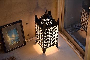 鉄を使った行燈の和風照明