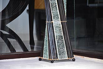 アジアン照明。ガラスとバンブーのランプ。フロアスタンドライトロータスタワー