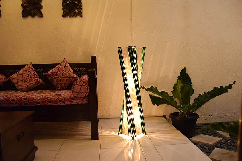 アジアン照明。シェルとバンブーのランプ。フロアスタンドライト シェルタワーS