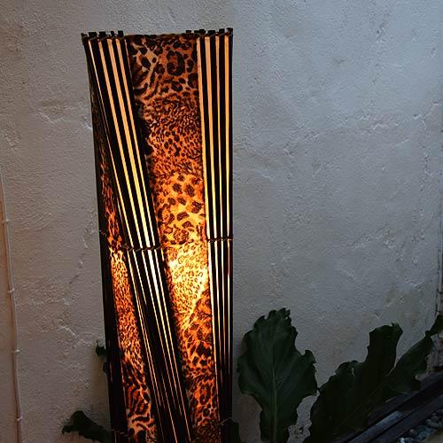 アジアン照明。上品で野性的なヒョウ柄のスタンドライト