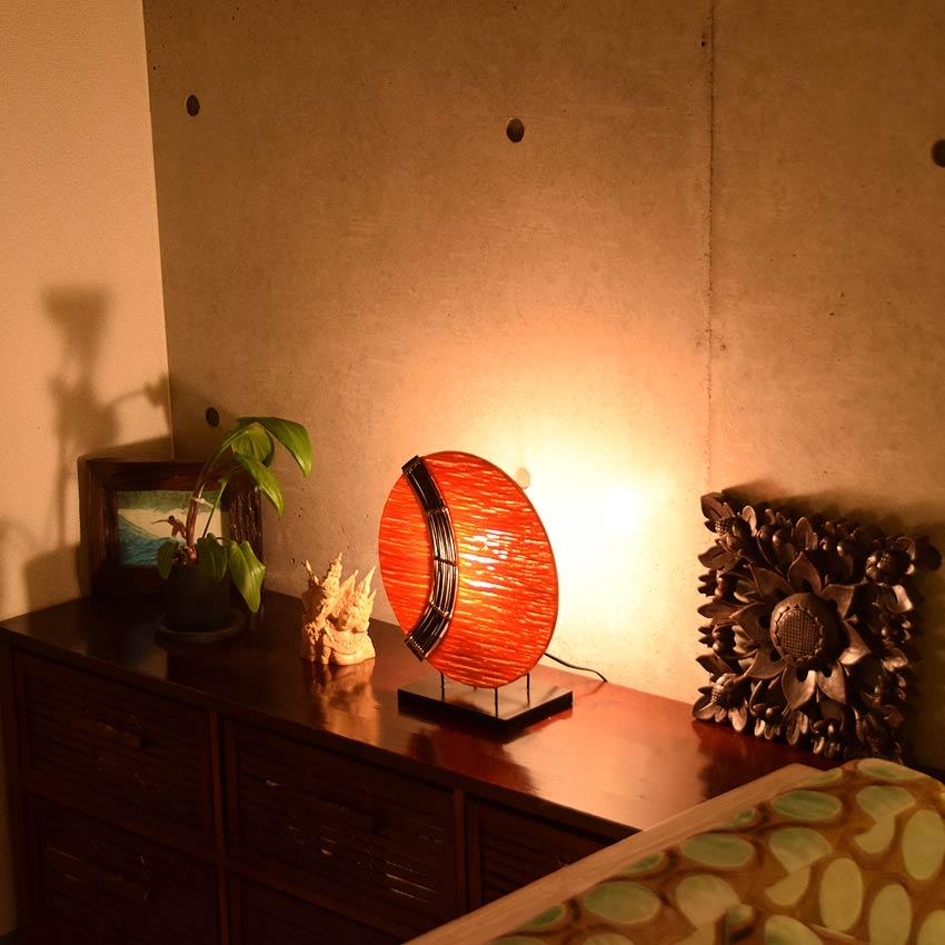 アジアン照明。和風のテーブルライト
